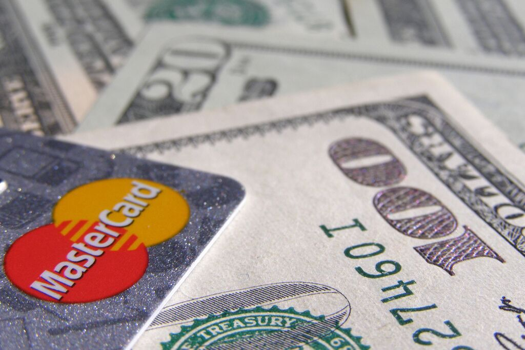 How Small Business Owners Can Use a Merchant Cash Advance